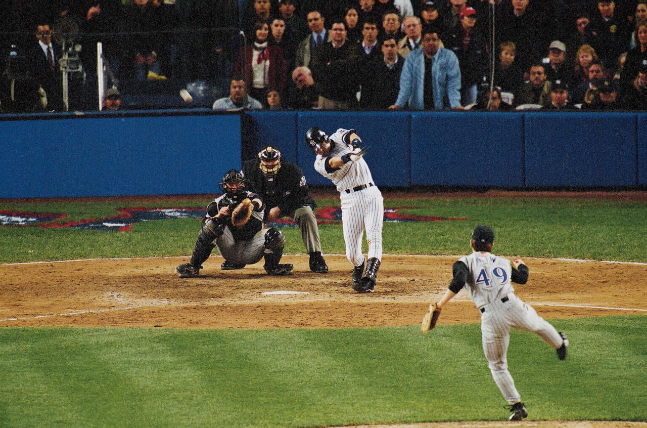 2001-world-series-game-4-derek-jeter-001241858_0